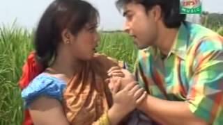 BANGLADESHI FOLK SINGER SUJON RAZA AND MOMTAZ SONG KON SCHOOL LE POROSRE TUI
