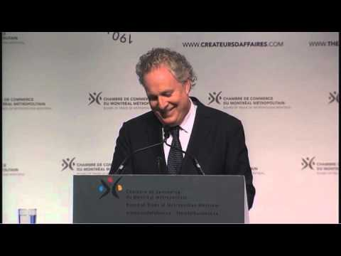 Le premier ministre Jean Charest blague  propos des manifestations