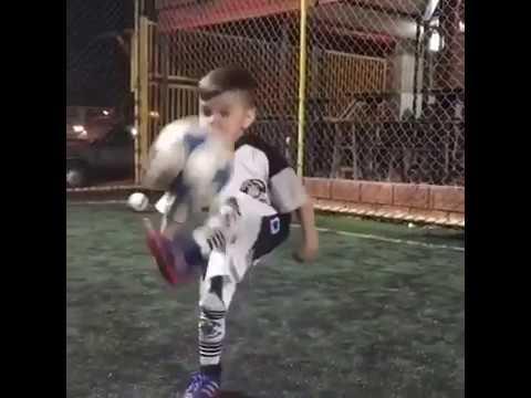 Hebat!!! Penerus Neymar Jr| Skill Luar Biasa Anak Kecil Saat Main Bola