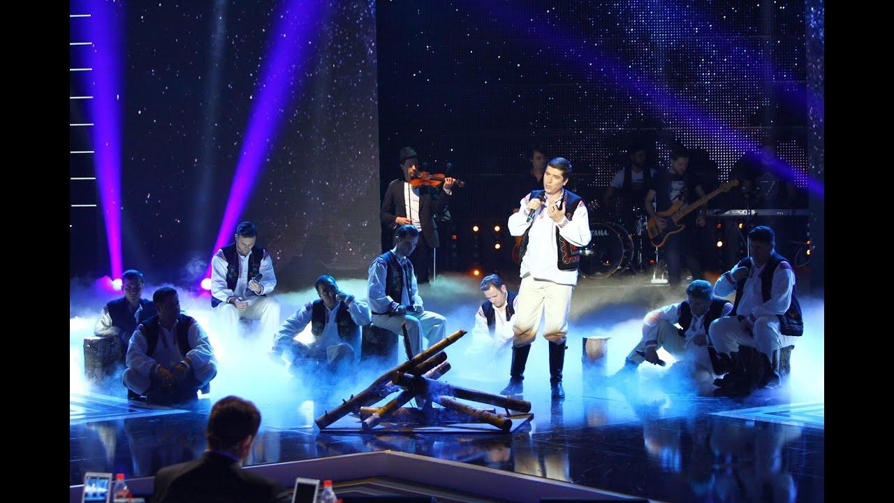 """Maria Tănase - """"Lume, lume"""". Vezi interpretarea trupei Bravissimo, în prima Gală de la X Factor!"""