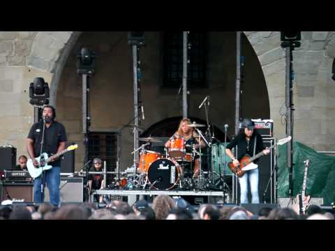 Alvin Youngblood Hart 's Muscle Theory - Nobody's Fault But Mine (Live @ Pistoia Blues 2009)