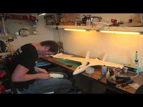 Building a FunJet in 3 minutes + the first flight - RCExplorer.se