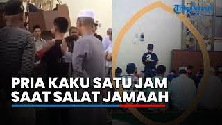 Viral Video Pria Kaku Satu Jam saat Salat Jamaah, Pengurus Masjis Ungkap Penyebabnya