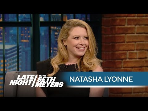 Natasha Lyonne Talks Emmys and Fred Armisen's Crazy Red Carpet Look - Late Night with Seth Meyers