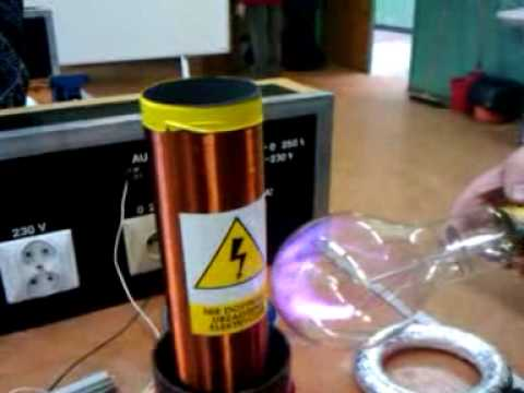 Solid State Tesla Coil by piglet11