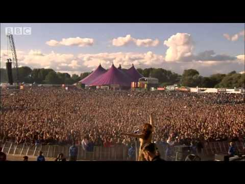 Florence + The Machine Shake It Out live at Hackney Weekend 2012