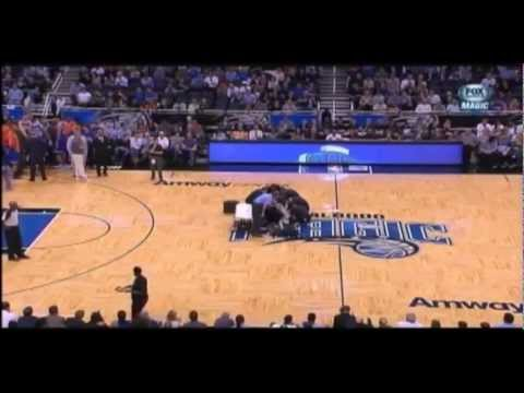 Orlando Magic Cheerleader falls 2012 New York Knicks Highlights