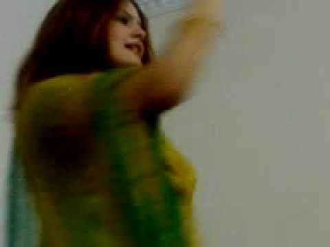 Beautiful girl with a nice dance Ghazala Javid Pushto singer.mp4