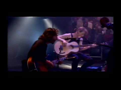 The Pretenders - Night In My Veins (live)