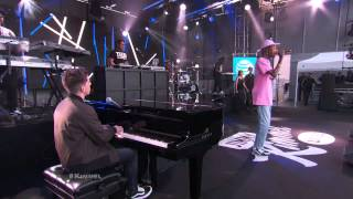 Wiz Khalifa Ft Charlie Puth Performs 39 See You Again 39 Live Performance Version