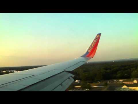 Southwest Airlines Landing Hartford BDL w/ Singing Flight Attendant