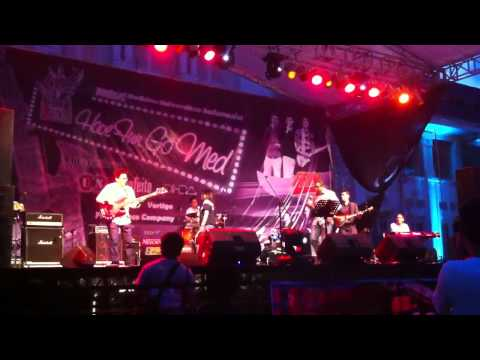 Download Bengawan Solo by The Doctors Band @Have Fun Go Med 2012 FKUI Mp4 baru