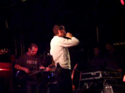 Puck Fair 2009 IN DA RAIN ASLAN singing CRAZY WORL MP3...