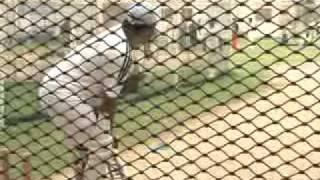 Cricket on crutches in Pakistan.3gp