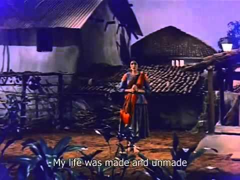 YouTube - LATA MANGESHKAR - AKELE HI AKELE - GOPI 1970.flv
