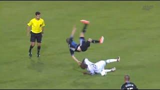 Fútbol, recopilación de golpes en la entrepierna