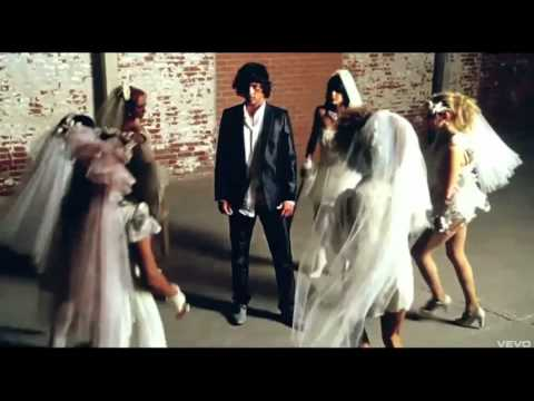 Katy Perry - Hot N Cold video