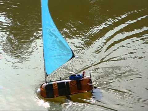 Rc bottle sailboat