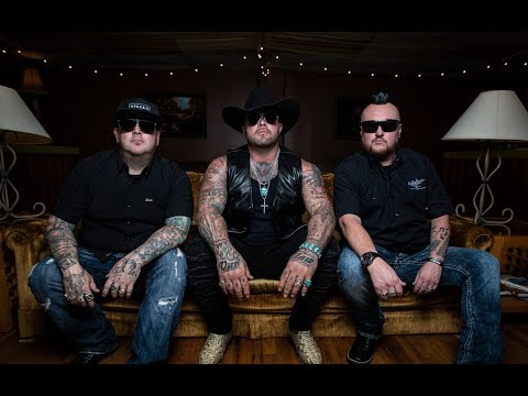 Moonshine Bandits  - Outlaws Never Die ft. Struggle Jennings (Official Music Video)