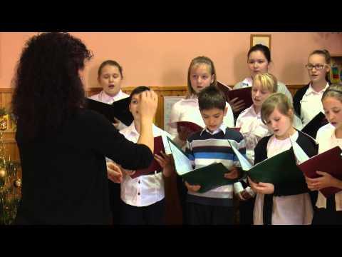 A Körzeti Általános Iskola kórusának karácsonyi műsora a szentpéteri óvodában