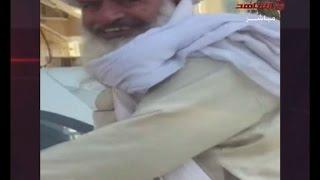 باكستاني مركب على جاريه رقم 5D في دبي الامارات
