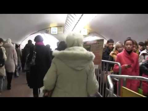 Умарали Назаров в московском метро.