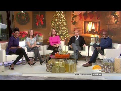 Savannah Guthrie in suede boots - 25-Dec-2014