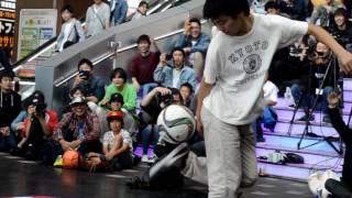 JFFC 2017 Top 16: Usshi vs Tokura | Japanese Freestyle Football Championships