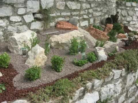 Pietre da giardino roccioso