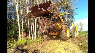 JCB 4CX in action, skilled operator