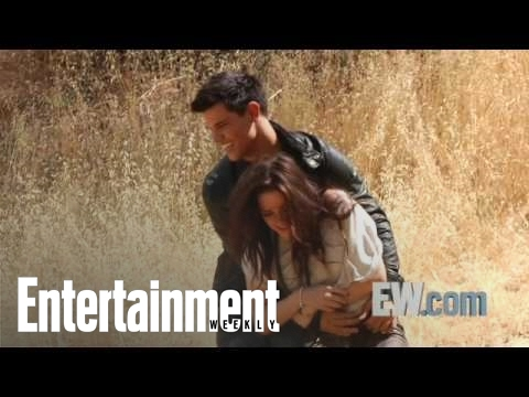 'New Moon' - Bella and Jacob wrestle! Video