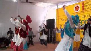 lpu bhangra induction on 4th aug 2010 on (malki keema).mp4
