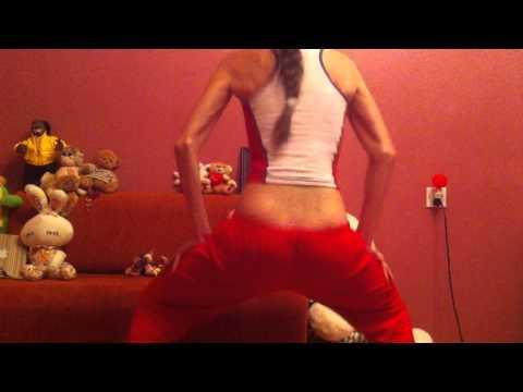Azeri Girl SHAKE ASS sssssEXY!!- LOUCO POR MULHER