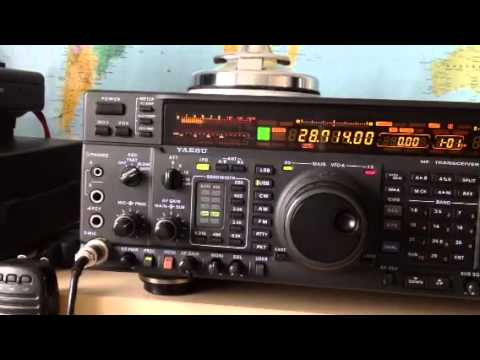 Listening to W3MF in Pennsylvania on my Yaesu FT-1000MP