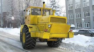 Old soviet russian snow dozer on K-701 shassis