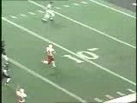 Eric Crouch runs for an awesome TD in the 2000 Alamo Bowl against Northwestern. The Huskers went on to route the Wildcats 66-17.