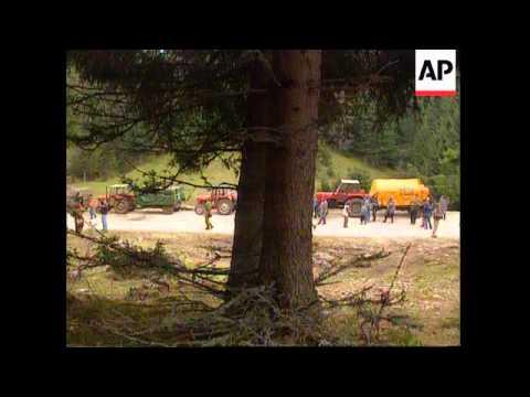 Bosnia - Serb Civilians Flee Kupres After Attack