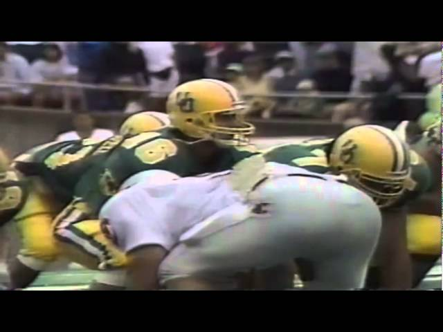 Oregon QB Danny O'Neil runs for a 12 yard gain vs. WSU 9-07-1991