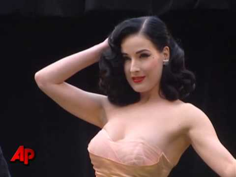 Dita Von Teese Loves Pain Video
