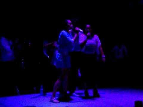 Nuevo Cantantes Duo en Jarro's Beach..