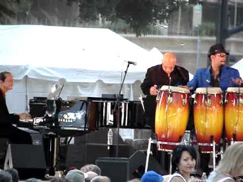 Pete Escovedo Orchestra + All stars (Ray Obiedo on Guitar)