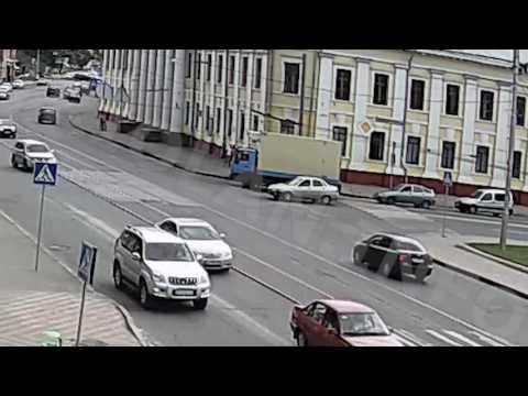 ДТП на перекрестке пр. Московский - Гимназическая набережная (09-08-2016)