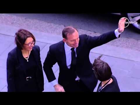 Abbott gets booed at Gough Whitlam service     00:26
