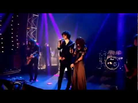 The Horrors feat. Florence - Still Life (NME Awards 2012)