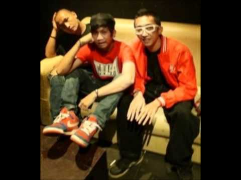 Kungpow Chicken - Lagu Gay