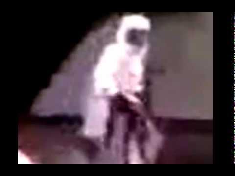 ملك يحمل الشهيد في سوريا صورة توضيحية وقريبة Music Videos