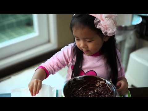 เด็กจิ๋วสอนทำอาหาร ช็อกโกแล็ตอัลมอนด์ ตอน2