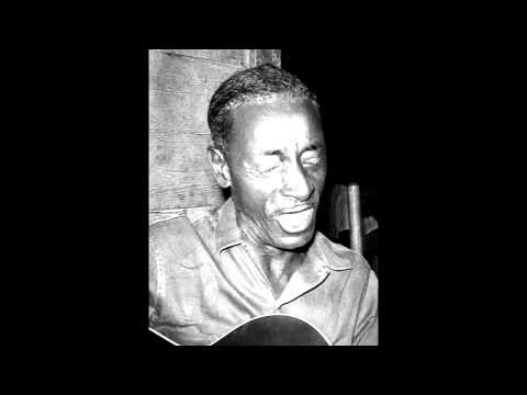 Mississippi Fred Mcdowell- I Heard Someone Calling Me (Vinyl Recording)