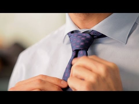How to Tie a Small Knot | Men's Fashion