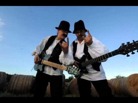 A Két Paraszt - Hull A Pelyhes (BUMERÁNG @ NEO FM 2010.12.07)